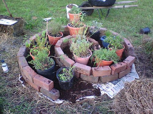 Установка кондиционерВазы в саду своими руками